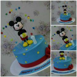 Mickey Maus...