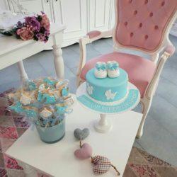 Babyshowertorte und Kekse